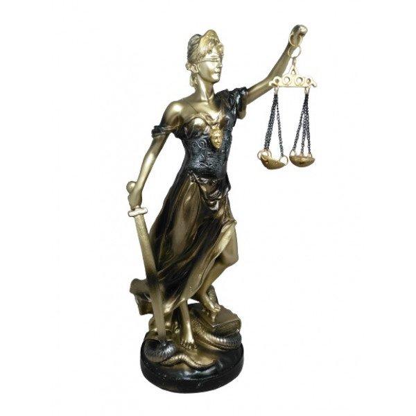 Adalet Heykeli