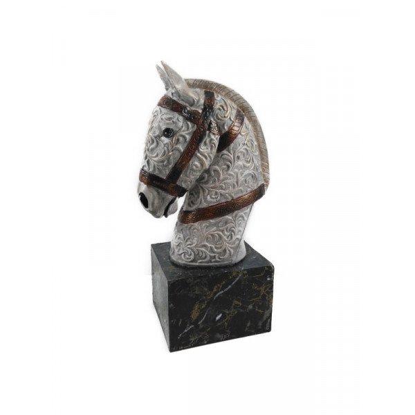 At Başı Heykel